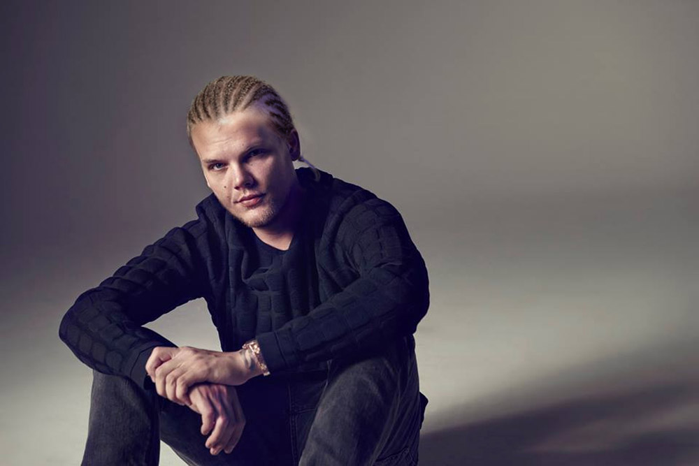 Avicii Shares Hilarious New Press Shots From Recent Photo ...